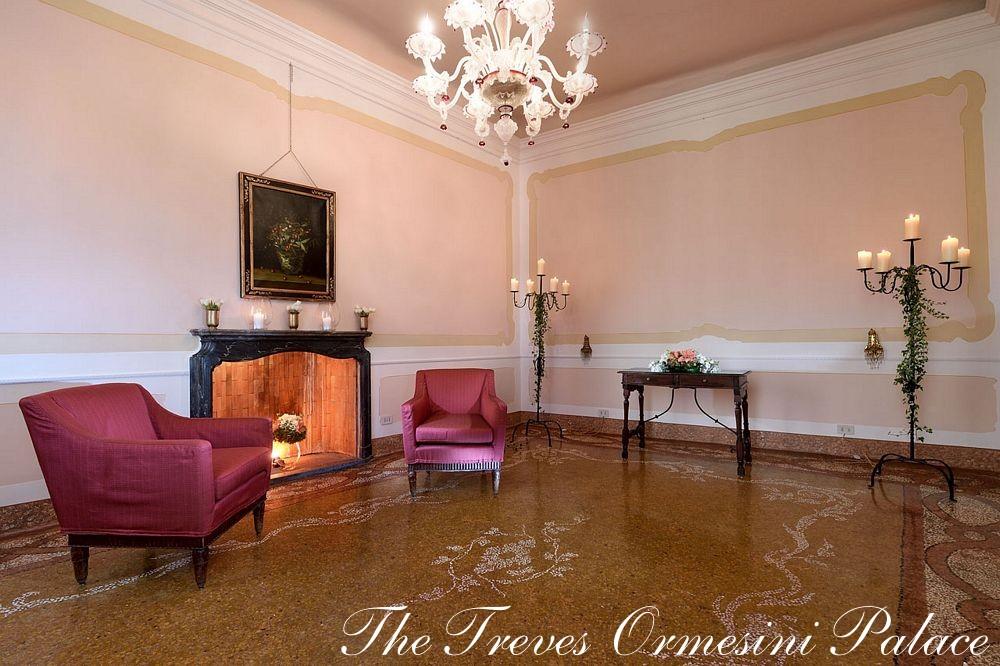 palace venice fireplace room