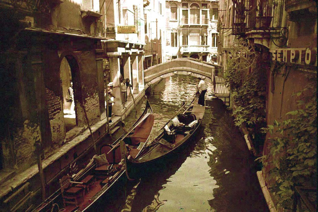 venice-italy-city-old-architecture-436729-1120x747